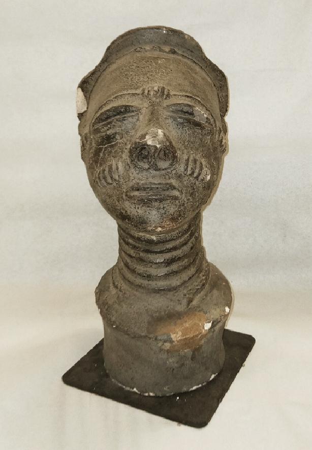 Portrait commémoratif, mma, Agni-sanwi, Côte d'Ivoire, musée T. Monod, don de M. Guérin, Forestier, à la société des amis de l'IFAN, 1942